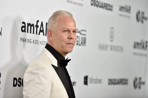 netflix jumps after announcing a deal with famed 'glee' producer ryan murphy (nflx)