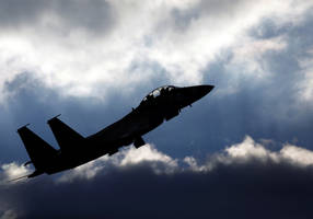 reports: israeli air force strikes gaza targets following border attack
