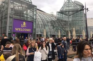 bluewater shoppers evacuated after suspected fire at nandos