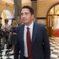 Simon Bridges has a strong New Zealand accent. Got a problem with that?
