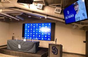 WATCH LIVE: Eric Hosmer introduced as a Padre