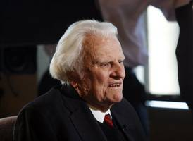 Rev. Billy Graham, Minister To Presidents And Millions Worldwide, Dies At 99