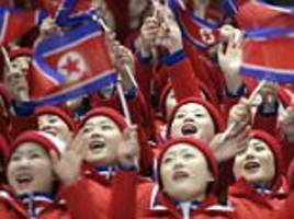 North Korean cheerleader accidentally claps for Americans