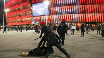 Europa League: Police officer dies in clashes before Athletic Bilbao v Spartak Moscow