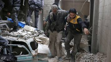 Syria war: New deadly raids rock rebel-held Eastern Ghouta