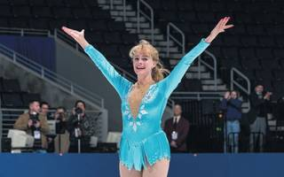 i, tonya is a dubiously revisionist take on figure-skating's great shame