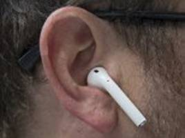 apple planning to upgrade airpods with siri