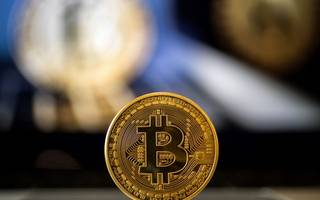 bitcoin climbs above $10k, but the rise might not last
