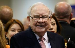 warren buffett breaks down the most important lessons he learned from his $1 million bet against hedge funds (brka)