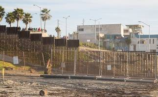 report: after border wall dipsute, peña nieto ditches plans to meet with trump