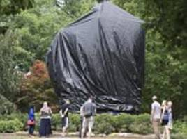 charlottesville judge orders tarps off confederate statues