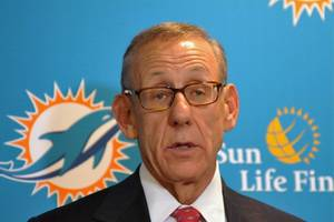 miami dolphins owner vows no anthem protests next season: 'all my players will be standing'