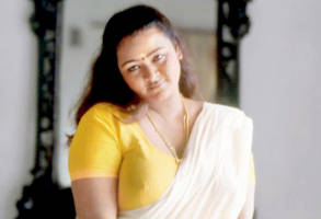 gayathiri: glad my bollywood debut is with a non-glam, realistic role