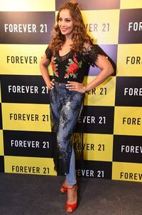 Forever 21, a Los Angeles Brand Launches 1st Store in Lucknow with Bipasha Basu