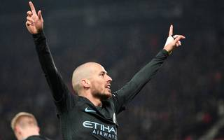 kompany urges city to seal league title by beating united