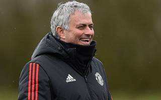 mourinho hits out at former palace manager de boer
