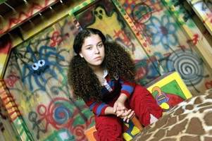 tracy beaker is back - as a single mum on a 'rough' london council estate