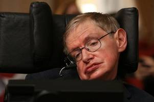 'Great scientist and extraordinary man' Stephen Hawking dies age 76
