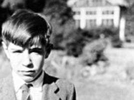 stephen hawking: boy who became master of the universe