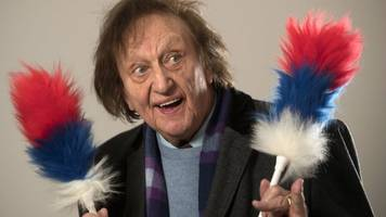 sir ken dodd: liverpool anglican cathedral funeral for comedian
