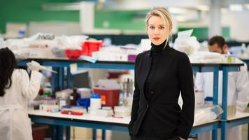 bad blood: the rise and fall of theranos and elizabeth holmes