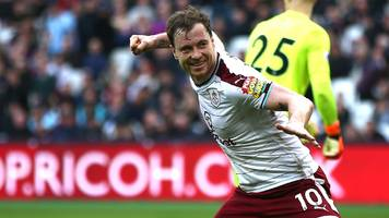 ashley barnes: burnley striker extends deal at turf moor