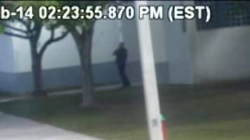 florida school attack: video shows cop lingering outside