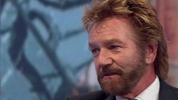 noel edmonds apologises for 'negative attitude' cancer comment