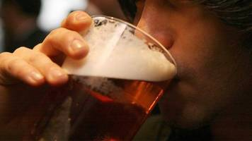wetherspoon profits up as restaurant trade hits tough times