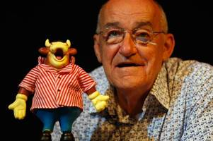 morecambe to hold minute's applause in memory of jim bowen ahead of exeter city match