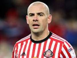 darron gibson involved in car crash on way to sunderland training