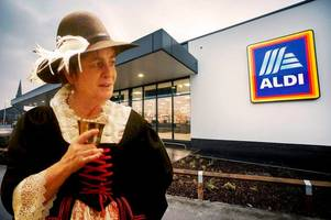 the derbyshire woman who wears 17th century clothes - to tesco and aldi!