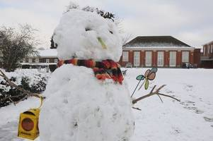 how to find out if any schools in gloucestershire will be closed because of the snow tomorrow