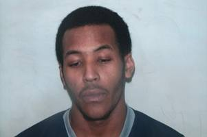 members of the public warned not to approach this man after stabbing in south london