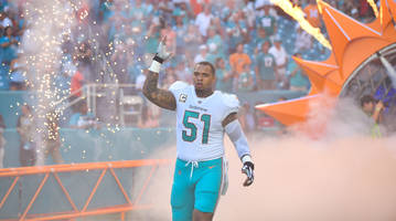 center mike pouncey agrees to two-year deal with chargers
