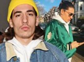 arsenal ace bellerin's maverick fashion sense raises eyebrows