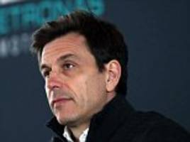 mercedes chief toto wolff warns a breakaway to rival f1 is possible
