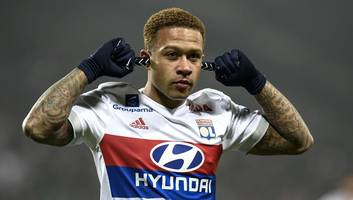 PHOTO: Lyon Star Memphis Depay Shows Off Nasty Cut Following Fiery Clash Against Marseille
