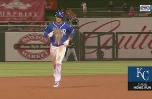 WATCH: Royals launch five homers against San Francisco