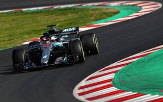 hamilton plays down mercedes favouritism for 2018 f1 season