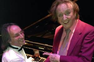 'it was an honour to work with him': hull musician who played keyboard for sir ken dodd more than 200 times