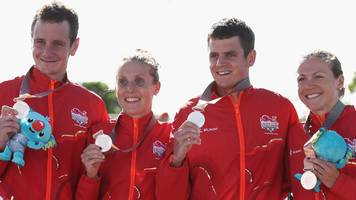 brownlee brothers help england to silver in commonwealth triathlon relay as australia win