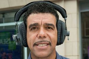pub-goers in dunblane can win chance to meet football personality chris kamara