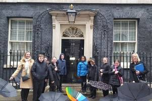 school pupils visit downing street to commemorate commonwealth day