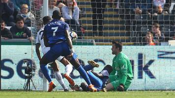 ayew leveller rescues point for swansea against everton