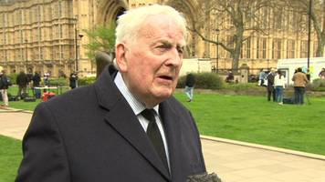 syria air strikes backed by ex-labour minister lord morris