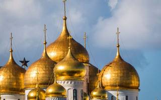 major asset managers still favouring russia despite sanctions threat