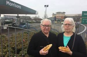couple left furious after morrison refused to sell them a meat pie before 9am