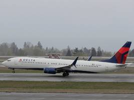delta flight makes an emergency landing in atlanta after smoke came out of an engine (dal)