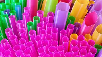 Reality Check: Do we use 8.5 billion straws a year in the UK?